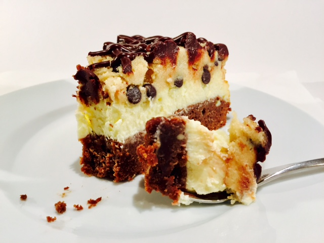 Brownie Cheesecake mit Cookie Dough_Gabel